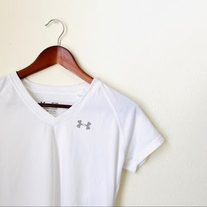 Under Armour•White Athletic Shirt